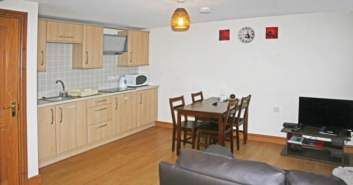 kitchen diner at Gremlin Lodge